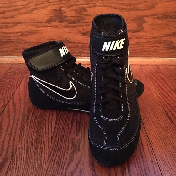 on sale 5dafc 3ca57 Nike Men s Speed Sweep VII Wrestling Shoes Size 7. Nike.  M 5c8ee0f0d6dc52f9f58ef834. M 5c8ee0f1bb76152d0a91227e.  M 5c8ee0f3aa8770b1cbe410ad